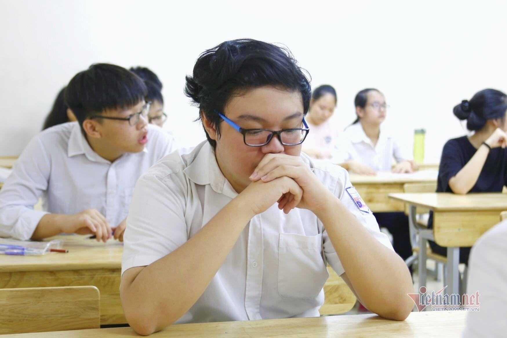 Phụ huynh áp lực vì con phải thi 4 môn vào lớp 10
