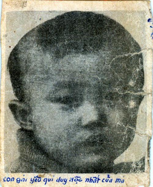 Ni sư để tóc trái đào cho em nhỏ bị bắt cóc năm xưa, ám hiệu cho bố mẹ