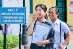 Thí sinh thi chuyên Anh gặp khó với bài luận về đọc sách và đọc báo