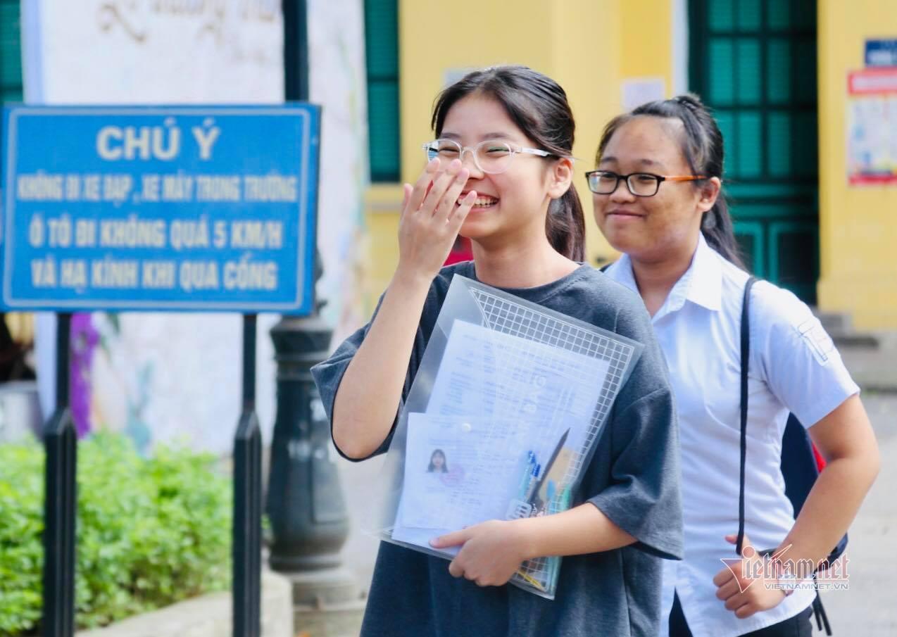 Đề Tiếng Anh vào lớp 10 Hà Nội: Điểm 9, 10 không khó?
