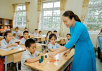 Teacher devotes herself to autistic students