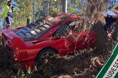 Ferrari F40 siêu hiếm vỡ nát đầu xe trong buổi lái thử