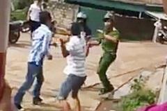 Ra quân trấn áp tội phạm, một cảnh sát bị đánh hội đồng