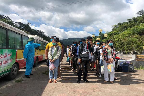 Hà Tĩnh cách ly 500 sinh viên Lào trở lại Việt Nam học tập