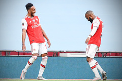 Aubameyang rực sáng, Arsenal hất cẳng Man City khỏi FA Cup