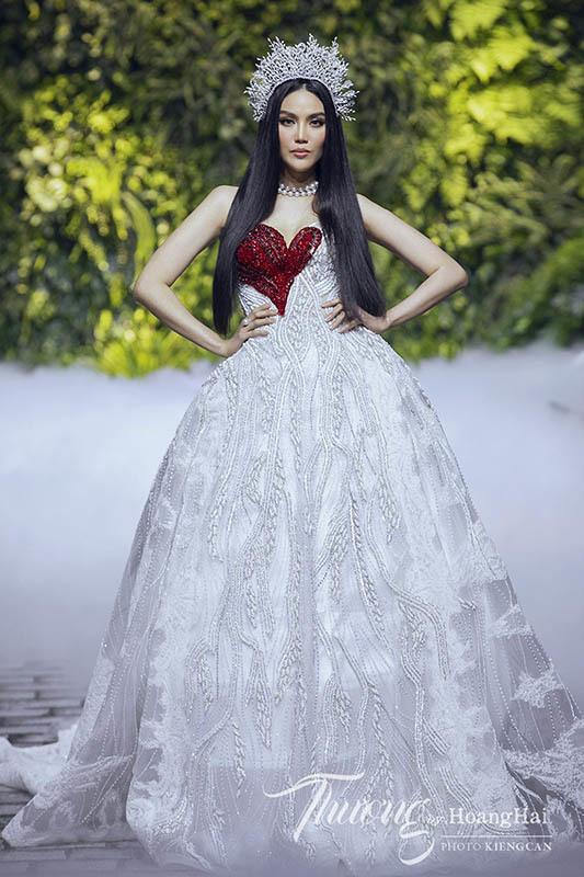 H'hen Niê, Lan Khuê xuất hiện trong show của NTK Hoàng Hải