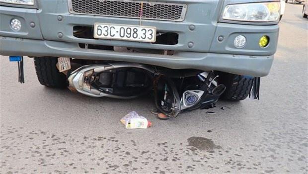 Hai mẹ con bị xe tải cán chết thương tâm ở vòng xoay Bình Phước