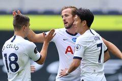 Leicester thua tan nát trước Tottenham, fan MU reo vui