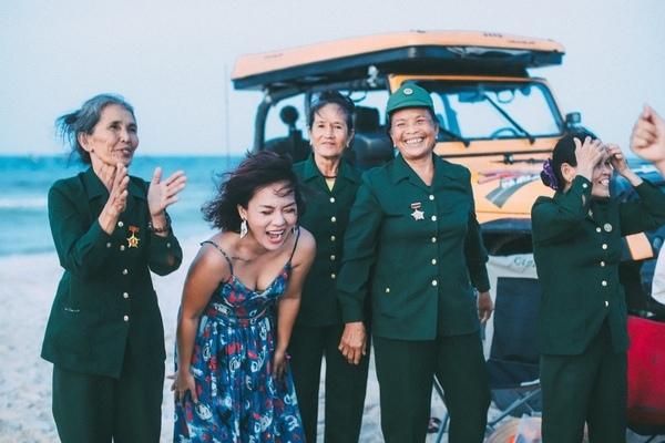 Thiên nhiên hòa quyện trong 'show diễn' đặc biệt của Thái Thùy Linh