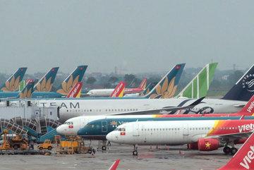 Sốt vé máy bay du lịch hè, nhiều chặng tăng giá gấp đôi