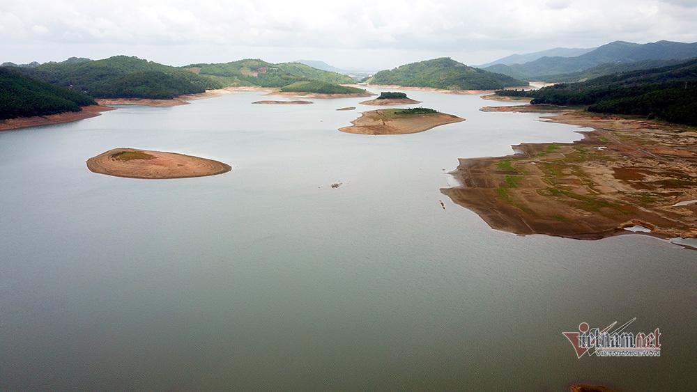 Hồ nước ngọt lớn nhất Quảng Ninh tiệm cận mực nước chết