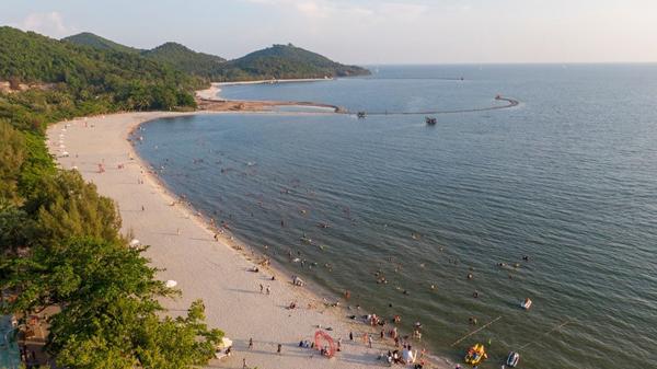 Hoàn thành bơm cát trắng vào bãi biển, Hà Tiên quyết chạy đua cùng Phú Quốc