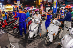 Vietnam considers opening petrol retail market to foreign distributors