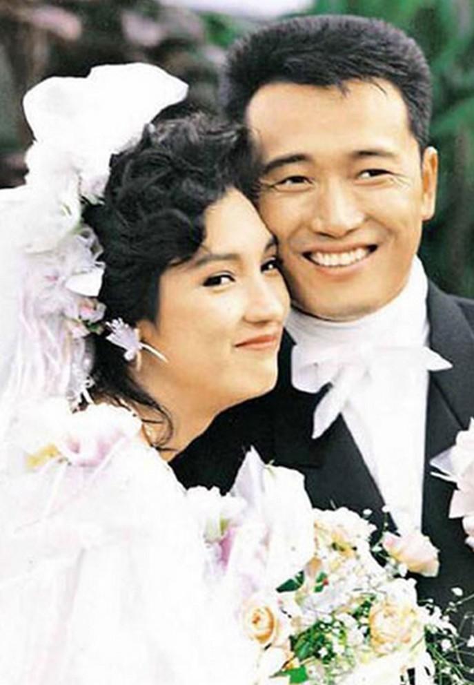 Hôn nhân đáng ngưỡng mộ với vợ minh tinh của Miêu Kiều Vỹ