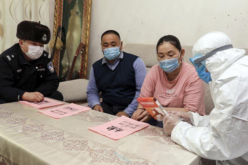Trung Quốc thêm ổ dịch mới, Anh lo không có vắc-xin chống Covid-19