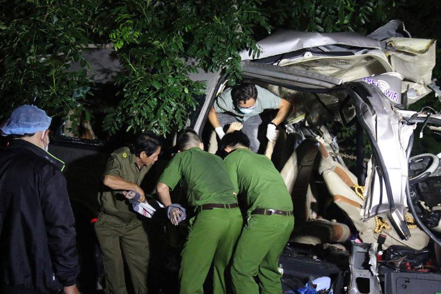 Hiện trường tai nạn thảm khốc, 8 người chết ở Bình Thuận