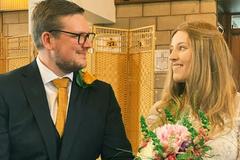 Bị chẩn đoán mắc ung thư, cô gái được bạn trai tổ chức cưới tại bệnh viện