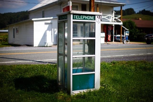 Kỳ lạ thị trấn nơi điện thoại di động và mạng WiFi đều bị nghiêm cấm