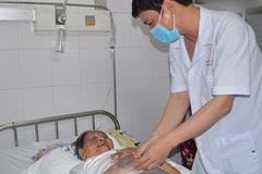 Cụ bà 94 tuổi bị gãy xương đùi kèm nhiều bệnh được cứu sống
