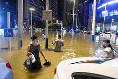 Những con số lột tả sức tàn phá khủng khiếp của mưa lũ ở Trung Quốc