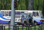 Tay súng tấn công xe buýt, bắt giữ hàng chục con tin ở Ukraina