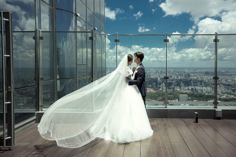 Ảnh cưới của Á hậu Thuý Vân với chồng thiếu gia