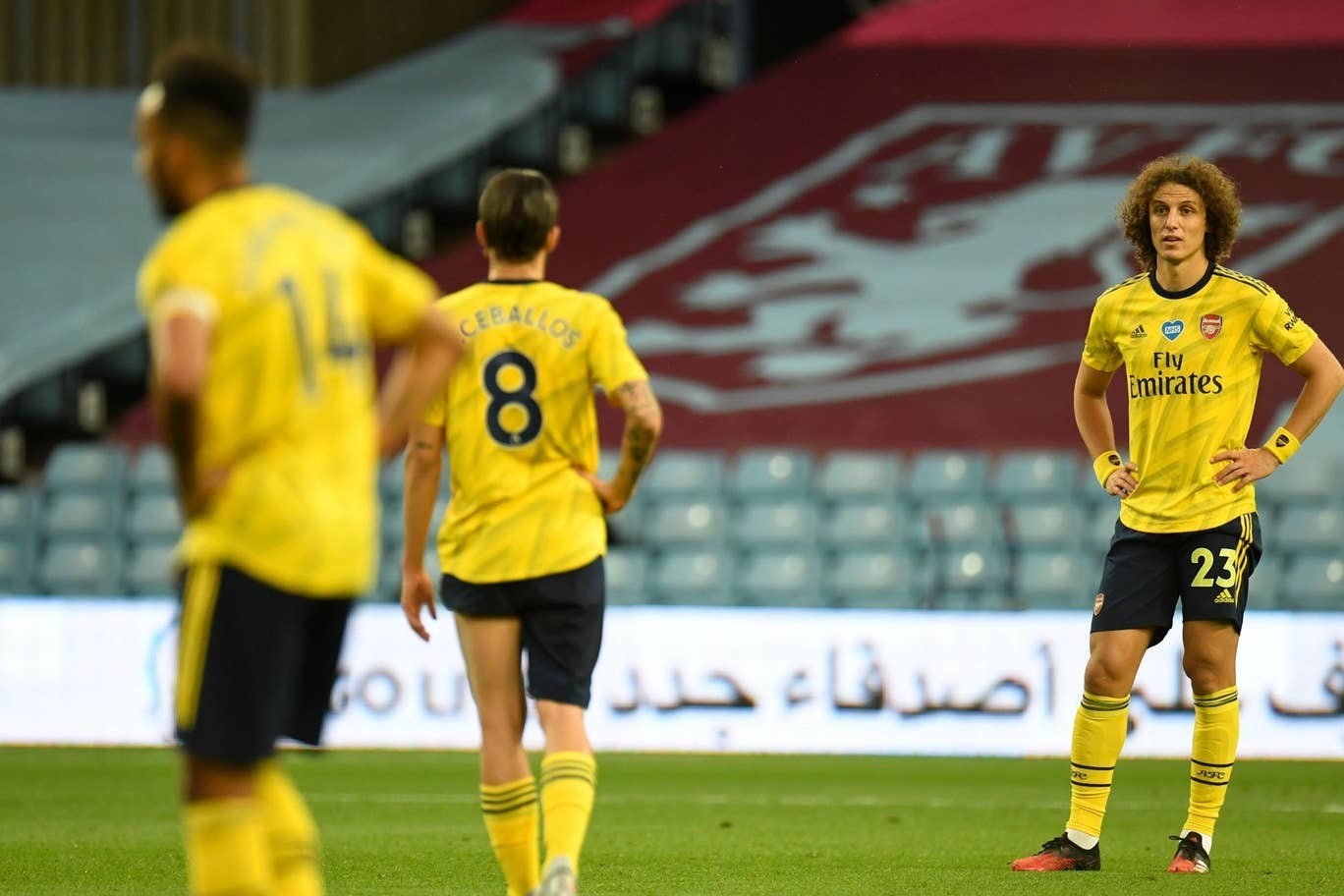 Pháo thủ không thể làm gì trước hàng phòng ngự của Aston Villa