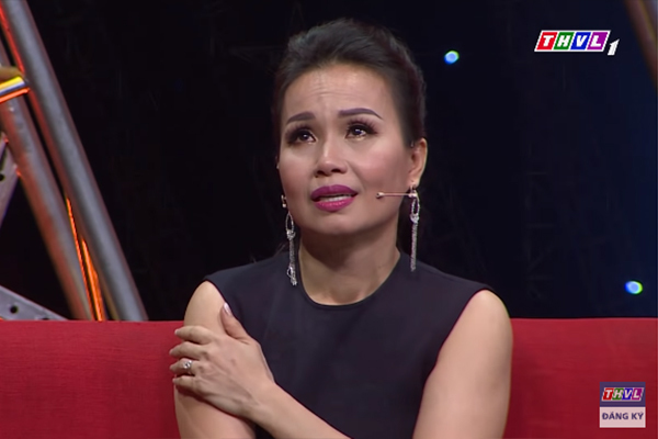 Cẩm Ly òa khóc kể lại hai cú sốc trong đời