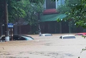 Ô tô ngập nước như ở Hà Giang sẽ bị hỏng nặng mức nào?