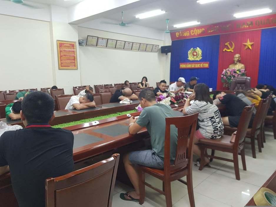 28 người phê ma túy, lắc lư trong tiếng nhạc chát chúa ở Quảng Ninh