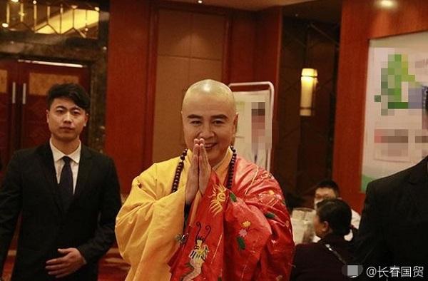 62 tuổi, 'Đường Tăng' Từ Thiếu Hoa vẫn say mê hát