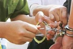 Gã trai tống tiền, doạ tạt axit người tình lớn hơn 7 tuổi