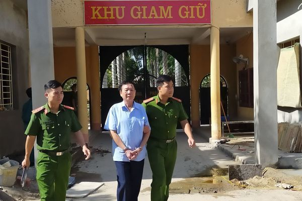 Bắt đối tượng gửi thư nặc danh vu khống Bí thư huyện ở Thanh Hóa