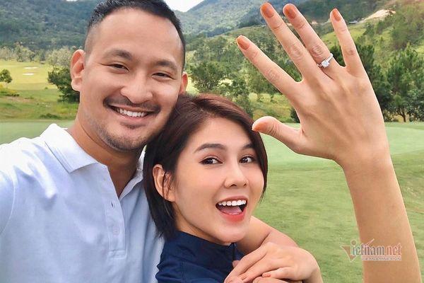 MC Thu Hoài được bạn trai cầu hôn