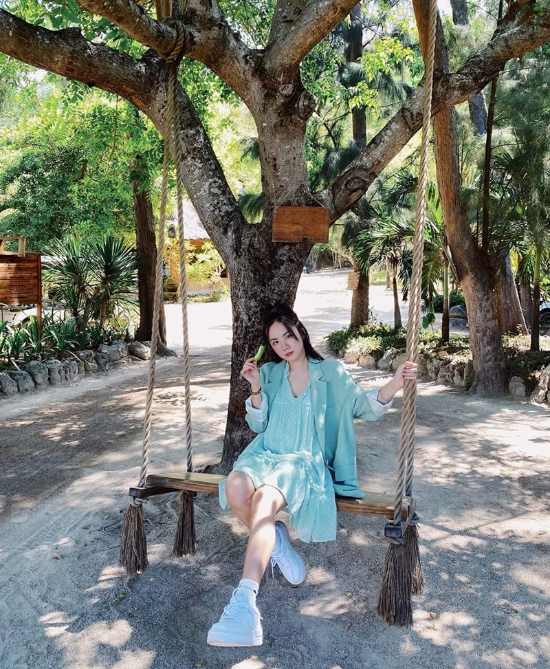 Hoài Linh chụp ảnh vui vẻ cùng Đàm Vĩnh Hưng, Dương Triệu Vũ