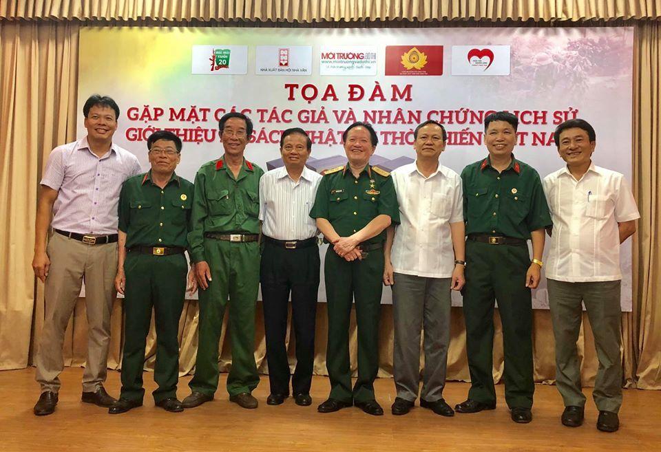 Gặp mặt các tác giả, nhân chứng lịch sử của bộ sách 'Nhật ký thời chiến Việt Nam'