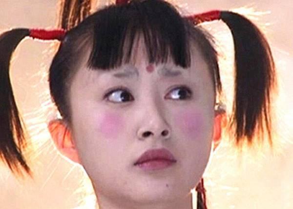 Tạo hình trang điểm xấu 'để đời' của mỹ nhân Hoa ngữ