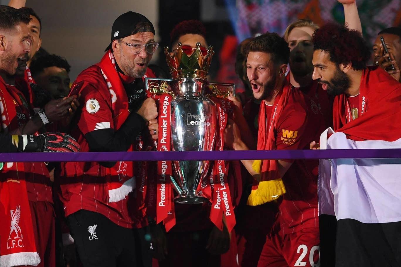 Lễ ăn mừng vô địch Ngoại hạng Anh rực rỡ của Liverpool