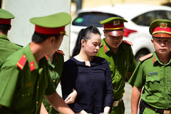 Hot girl Ngọc Miu bị đề nghị 15 năm tù dù được người tình bảo vệ
