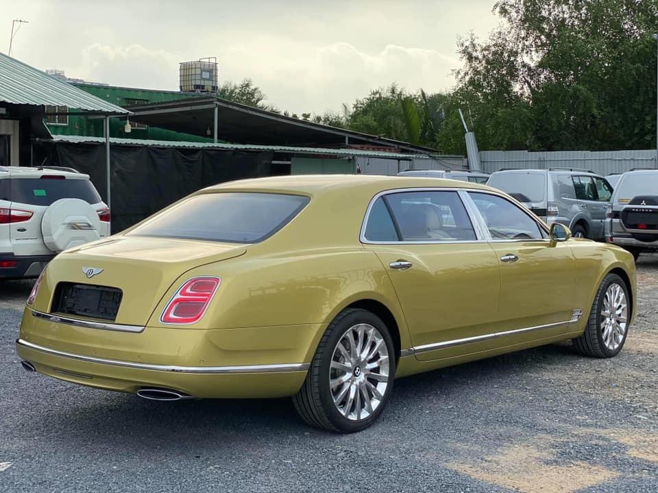 Siêu xe Bentley Mulsanne gần 50 tỷ vừa về tay chủ nhân người Việt