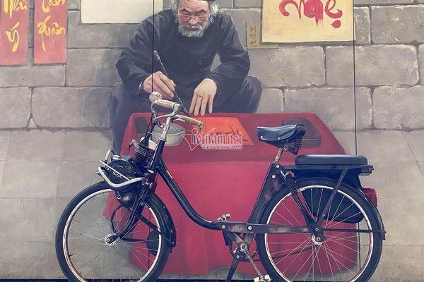 """Ngắm xe đạp máy Velosolex 1700 61 tuổi """"zin"""" hiếm có ở Hà Nội"""