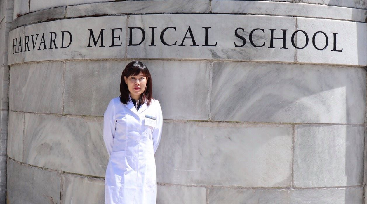 Những 'bí mật' của nữ bác sĩ có 2 con giành học bổng Harvard