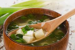 Sáu thói quen sau bữa ăn tàn phá dạ dày mà người Việt hay mắc phải