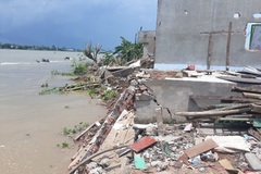 Severe erosion threatens Hau River