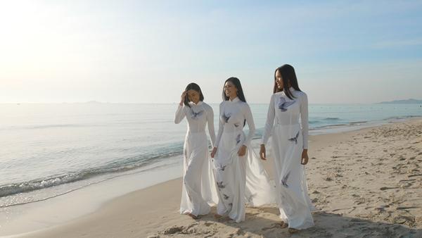 Người đẹp Đào Thị Hà quảng bá lễ hội văn hoá dân gian Khánh Hoà