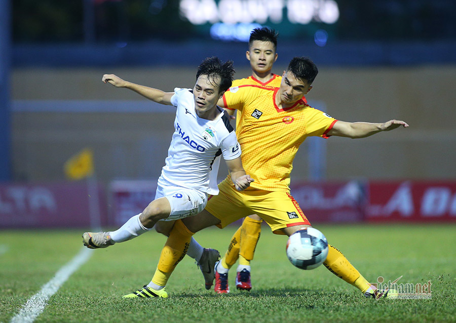 Thầy Park tái mặt, sao hoá giải 'ác mộng' ở AFF Cup?