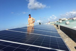 Is there a rooftop solar-power boom in Vietnam?
