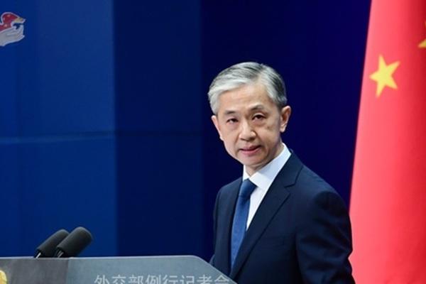 Trung Quốc nói Mỹ 'vu khống', dọa ngừng công nhận hộ chiếu hải ngoại Anh
