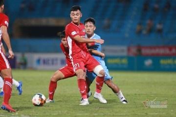 Viettel và Đà Nẵng bất phân thắng bại tại Hàng Đẫy