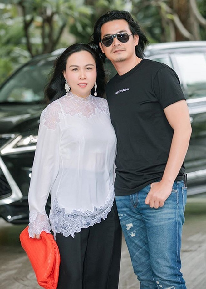 Quách Ngọc Ngoan đã kết hôn, có con 8 tháng tuổi với Phượng Chanel